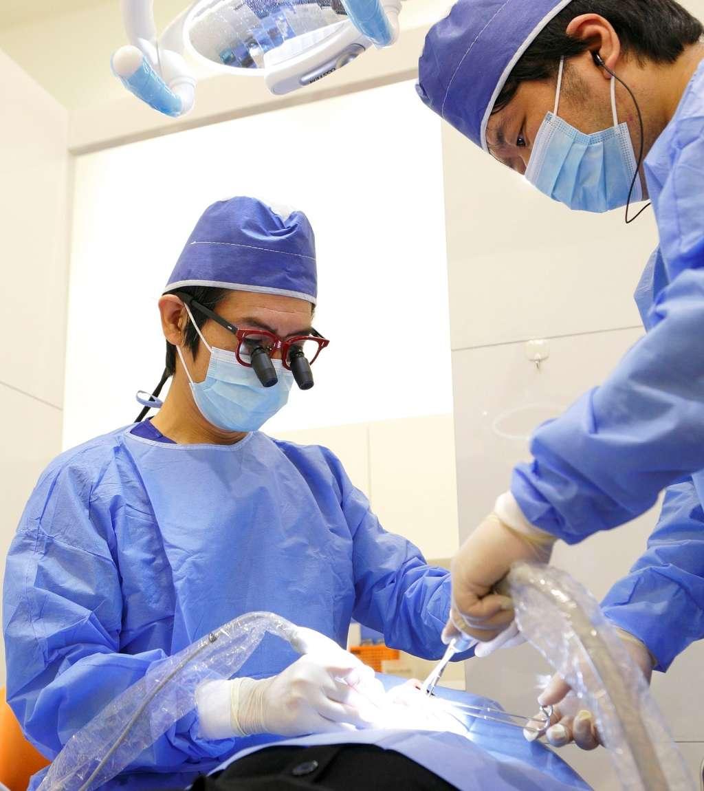 年間インプラント症例数347件で日本口腔インプラント学会専門医がインプラント治療を行います